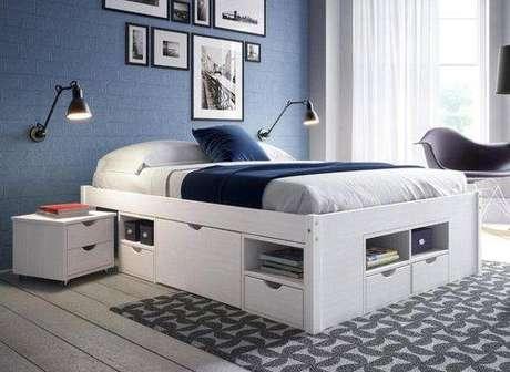 16. A cama com gavetas pode ficar sobre um tapete para não danificar a estrutura. Foto:
