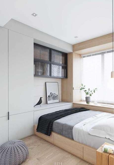 32. A depender do modelo, a cama com gavetas pode compor bem ambientes com muitos móveis. Foto: Decor Fácil