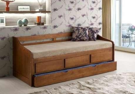 37. O sofá cama com gavetas também fica lindo com tons mais escuros. Foto: Raron Móveis