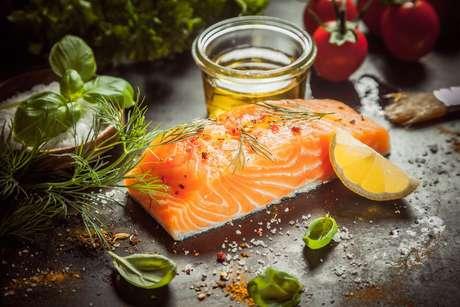 Veja como temperar peixe e descubra dicas para deixar seus pratos mais saborosos