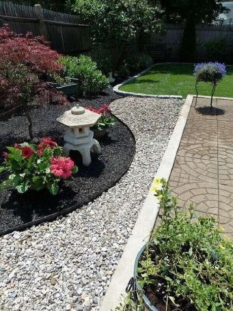 44. Aproveite os cantinhos da área externa para criar um Jardim Japonês. Fonte: Pinterest