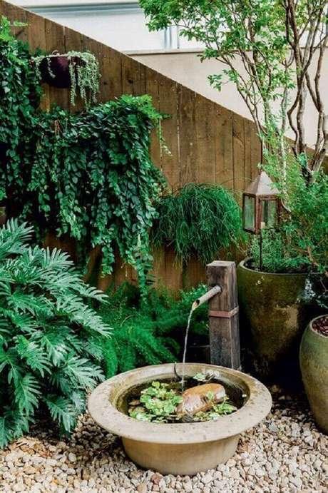 45. Fontes de água formadas com bambu encantam o Jardim Japonês. Fonte: Pinterest
