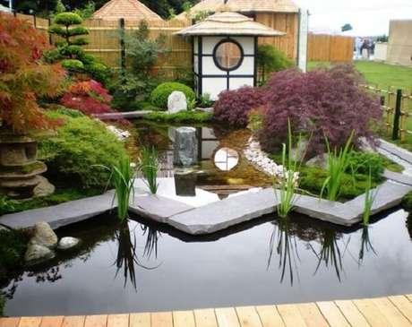48. Invista em pequenos templos na decoração do Jardim Pequeno. Fonte: Pinterest