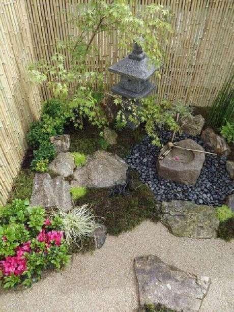 56. Jardim com pedras. Fonte: Tudo Especial