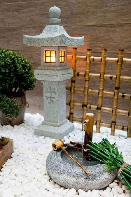63. Lanterna de pedra para Jardim Japonês. Fonte: Pinterest