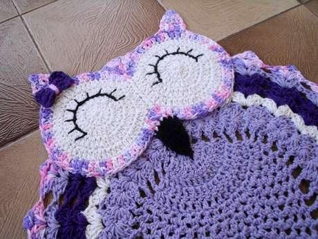 47. Tapete de coruja lilás para ter em casa – Por: elo7