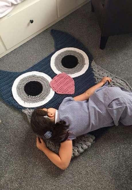 43. As crianças amam sentar em cima do tapete de coruja. Então faça bem grande! – Por: Pinterest