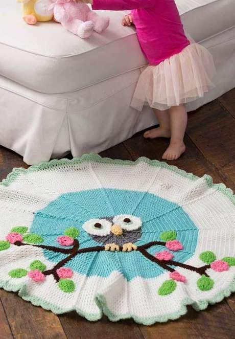 5. O tapete de coruja em crochê colorido é lindo para se usar no quarto infantil – Por: pinterest