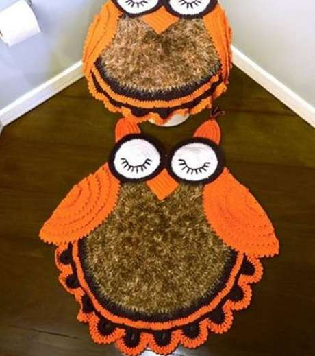 14. O tapete de coruja para jogo de banheiro deve combinar nos pequenos detalhes – Por: Loja RPM