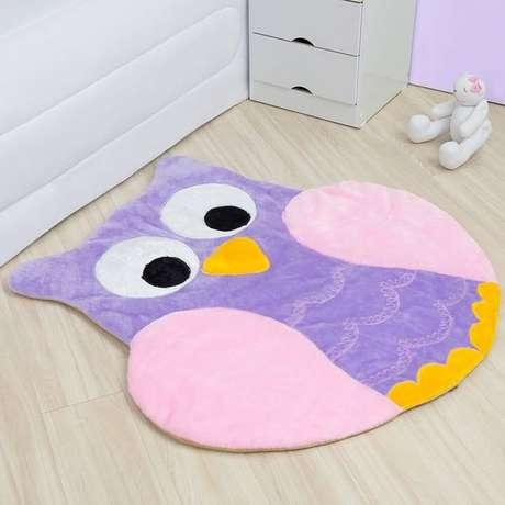 18. Até o quarto de bebê fica ainda mais lindo com o tapete de coruja – Por: Pinterest