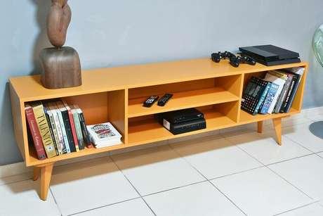 29. Cômoda também é um móvel que recebe muita aplicação de tinta para madeira. Foto: Móvel Move