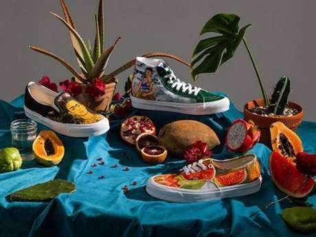 Alguns modelos de tênis da Vans trazem cores vivas que nos fazem lembrar do clima quente e latino do México, terra natal de Frida Kahlo.