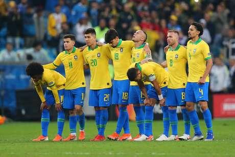 Jogadores do Brasil durante a partida entre Brasil e Paraguai, válida pela Copa América 2019, no Estádio Arena do Grêmio em Porto Alegre (RS