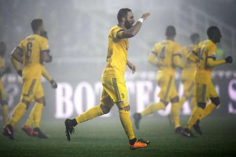 Higuaín deve deixar a Juventus de novo (Foto: Marco Bertorello / AFP)