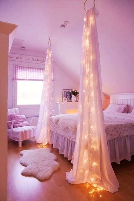 16. Aposte nas luzes para deixar a cama com dossel ainda mais personalizada – Por: Studio 1202