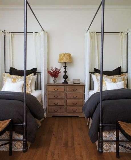 48. Aposte na cama com dossel para divisão de quartos – Por: Pinterest
