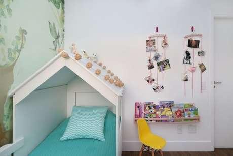 51. A decoração do quarto com cama com dossel pode ficar ainda mais personalizada – Por: ByArquitetura