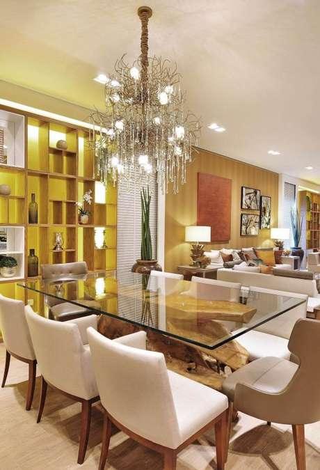 45. Invista no lustre candelabro moderno para sua casa -Por: Quitete e Faria