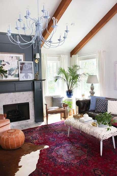 9. Lustre candelabro para sala de estar colorida – Por: Pinterest