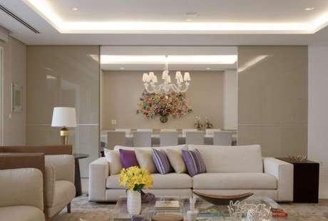 36. Lustre candelabro para sala moderna – Por: Marcelo Rosset Arquitetura