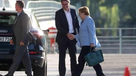 Merkel durante reunião sobre emissões de diesel de veículos alemães, em 24 de junho; premiê alemã chamou de 'dramática' política ambiental de Bolsonaro