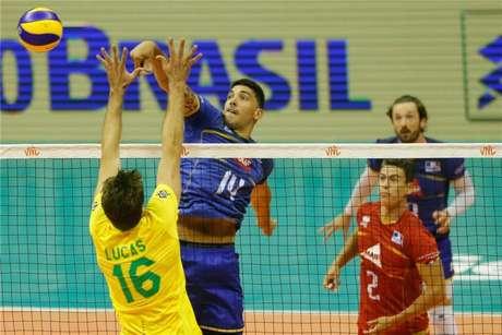 Brasil e França jogaram em Brasília (FIVB Divulgação)