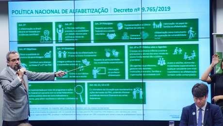 Abraham Weintraub em audiência na Câmara, em maio; ministro é o segundo titular do MEC sob Bolsonaro