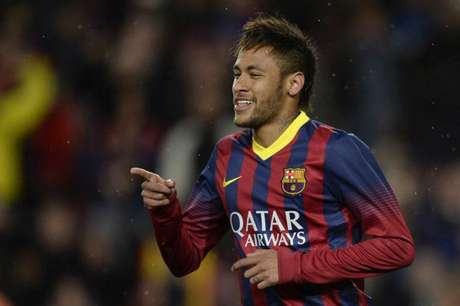 Neymar com as cores do Barcelona (Foto: LLUIS GENE / AFP)
