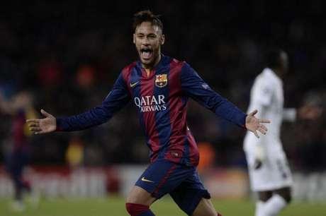 Neymar com a camisa do Barcelona (Foto: JOSEP LAGO / AFP)