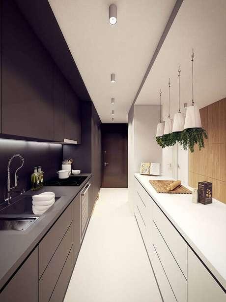 4. A cozinha preta e branca é um clássico que nunca sai de moda – Foto: Behance