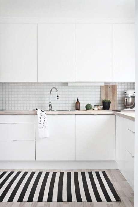 49. Invista em azulejo branco para cozinha que agregue à decoração – Foto: Nous Decor