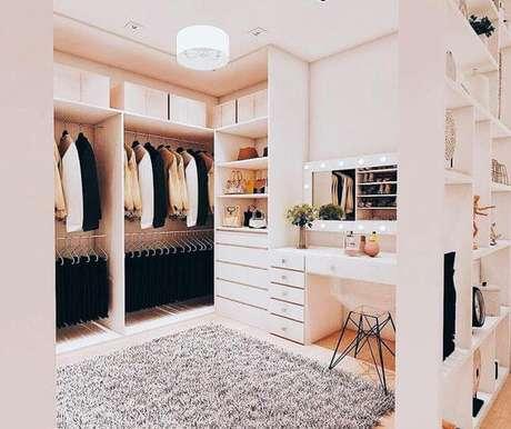 42. Modelos de guarda roupa para ambientes pequenos – Por: Pinterest