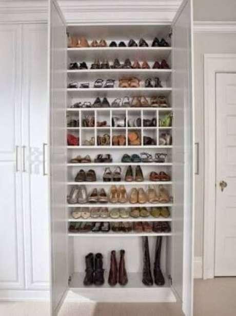 35. Modelos de guarda roupa com sapateira – Por: Pinterest