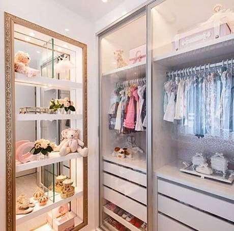 53. Modelos de guarda roupa para quarto infantil com porta de vidro – Por: Pinterest