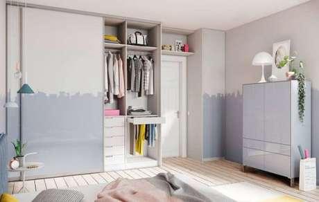 70. Modelos de guarda roupa para quarto infantil – Por: Pinterest