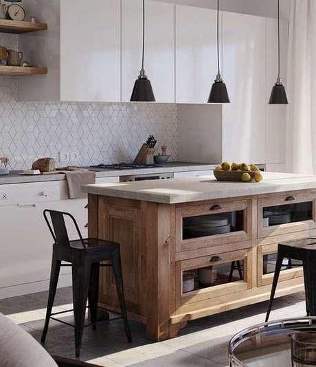 7. A bancada de madeira pode sr utilizadas de muitas formas em uma cozinha. Foto: Pinterest