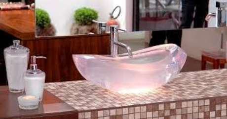 13. Cuba de sobrepor para banheiros modernos – Por: Pinterest