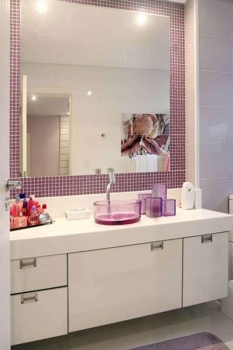 17. Cuba de vidro lilás para um banheiro ainda mais personalizado – Por: Pinterest