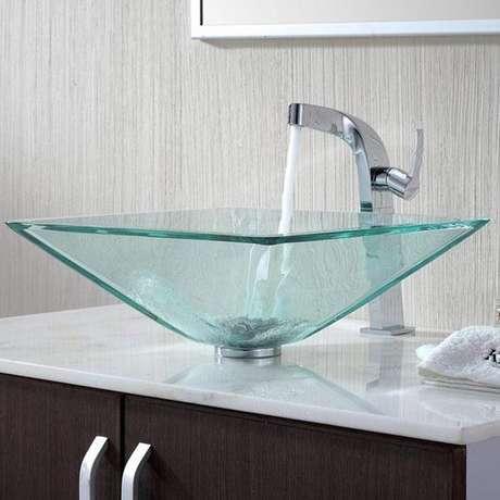 49. Cuba de vidro em formato diferenciado – Por: Decorando Casas