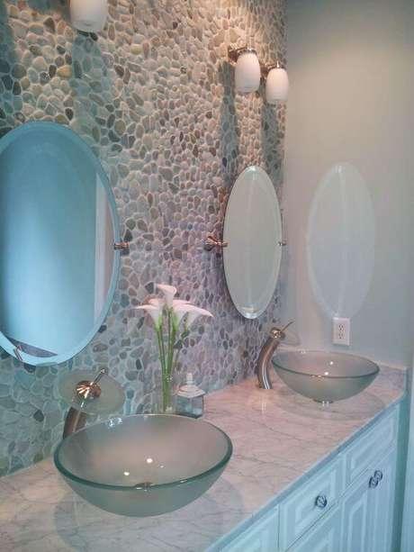 43. Cuba de vidro para banheiro de casal – Por: Bathroom ReModel