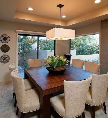 40. Modelos de lustres quadrados são muito bons para salas de estar e de jantar. Foto: Luxe4Home