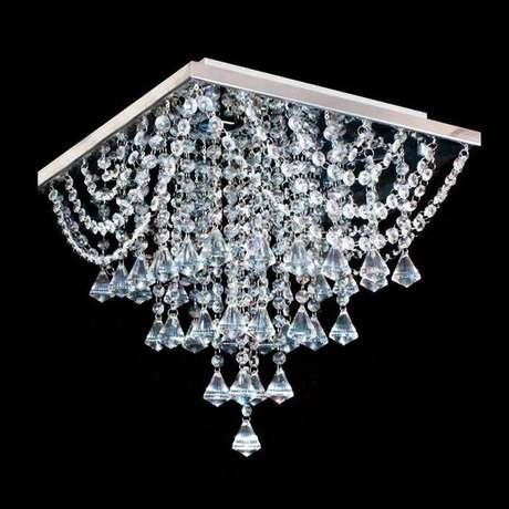 54. Modelos de lustres de cristal são sinônimos de luxo e requinte. Foto: Hunter Trade