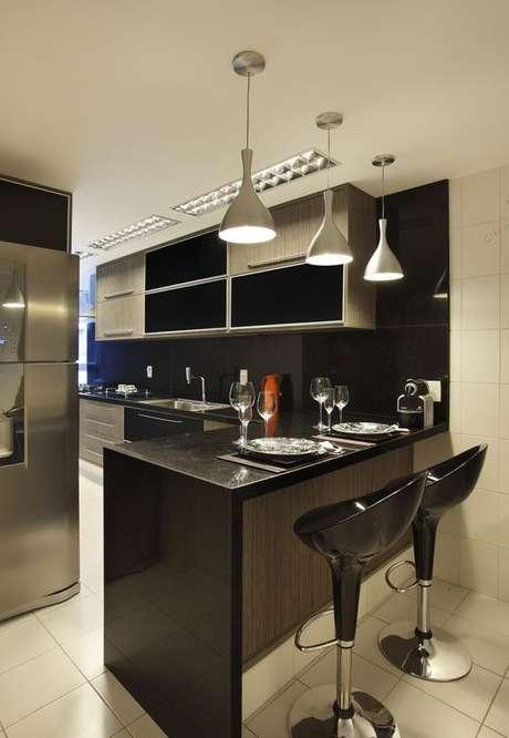 5. Modelos de lustres para cozinha são em geral mais simples. Foto: Decor Fácil