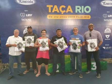 Professores sorteados foram Hugo, Leonardo Honório e Márcio de Deus na Taça Rio da FJJD-Rio (Foto: Reprodução)