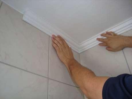 12. Como colocar moldura de gesso. Fonte: Elo7