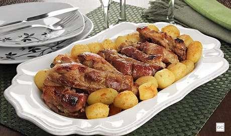 9. Costelinha ao forno com batata