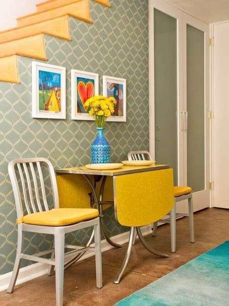 7. Mesa de parede dobrável para cozinha na cor amarela – Por: Pinterest