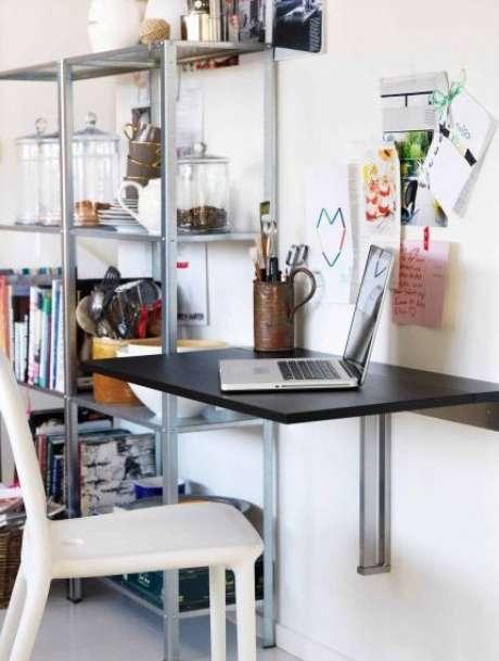 12. Mesa dobrável de parede para um pequeno escritório em casa