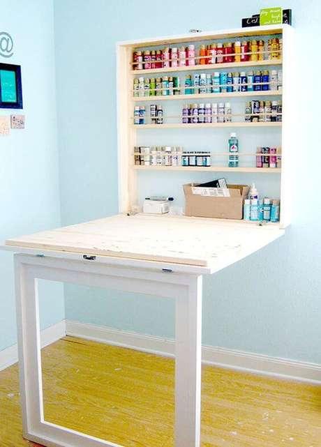 38. Mesa dobrável de parede para artesanato