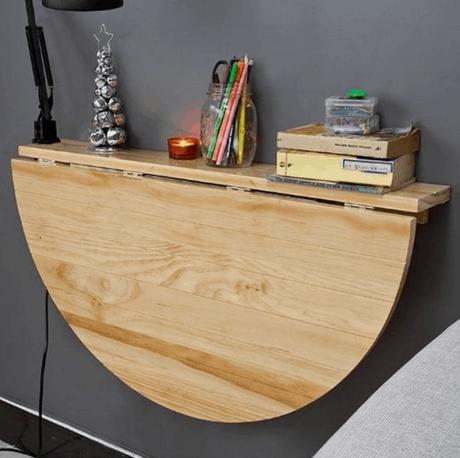 26. Mesa dobrável de parede de madeira com prateleira para itens decorativos